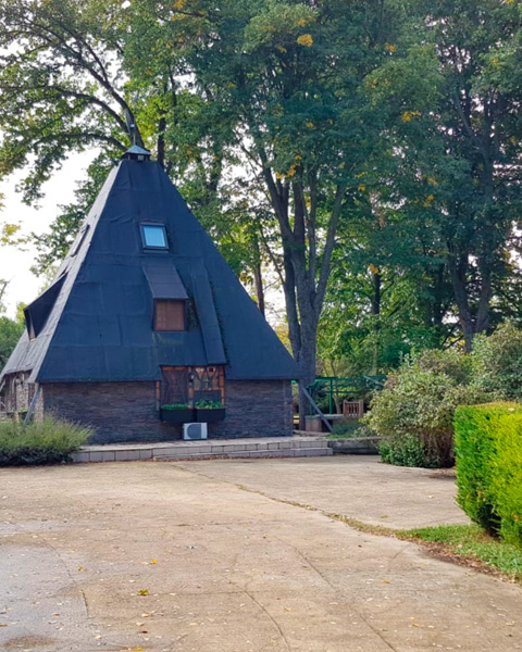 Casita Piramidal